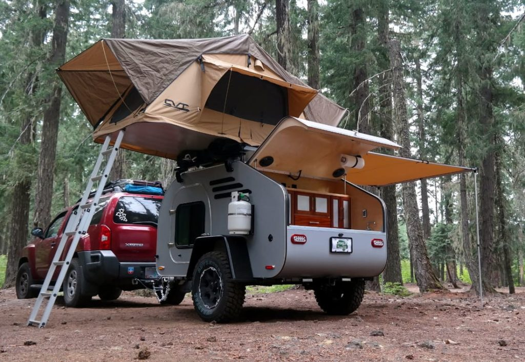 Oregon trailer with roof top tent